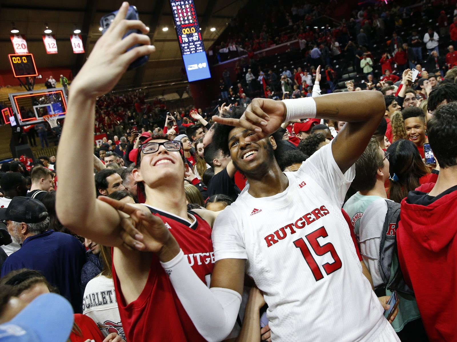College Athletes Can Now Earn Money